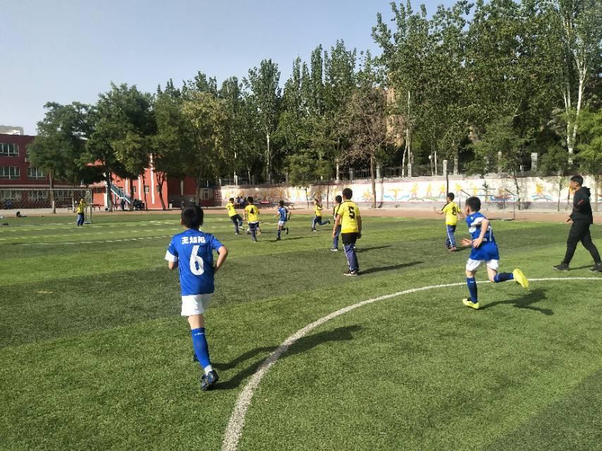 西班牙足球甲级联赛直播_青白江足球联赛_武林足球经理2 同一个联赛